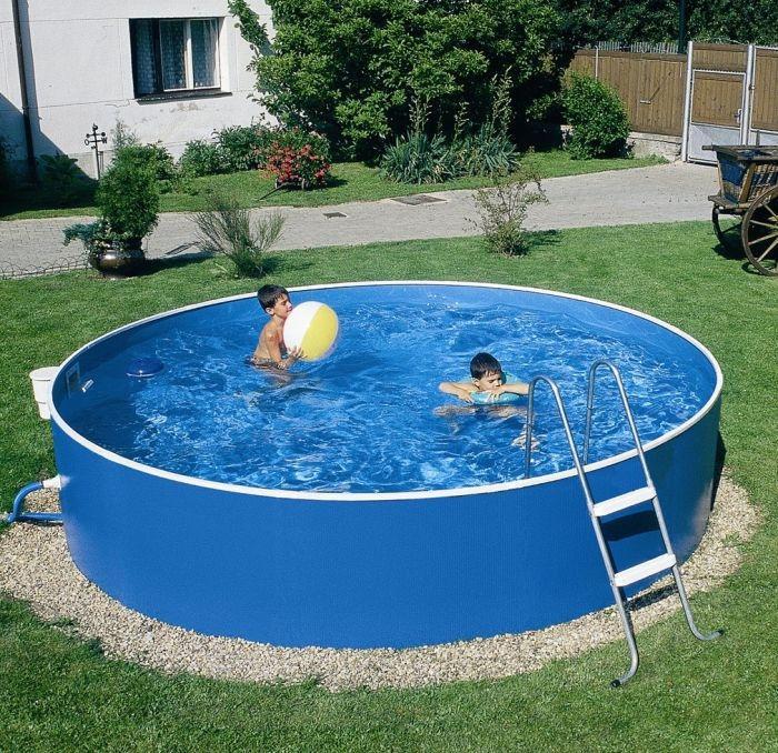 большой круглый бассейн на даче