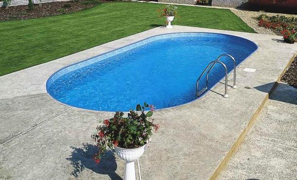 строительство бассейна овальной формы