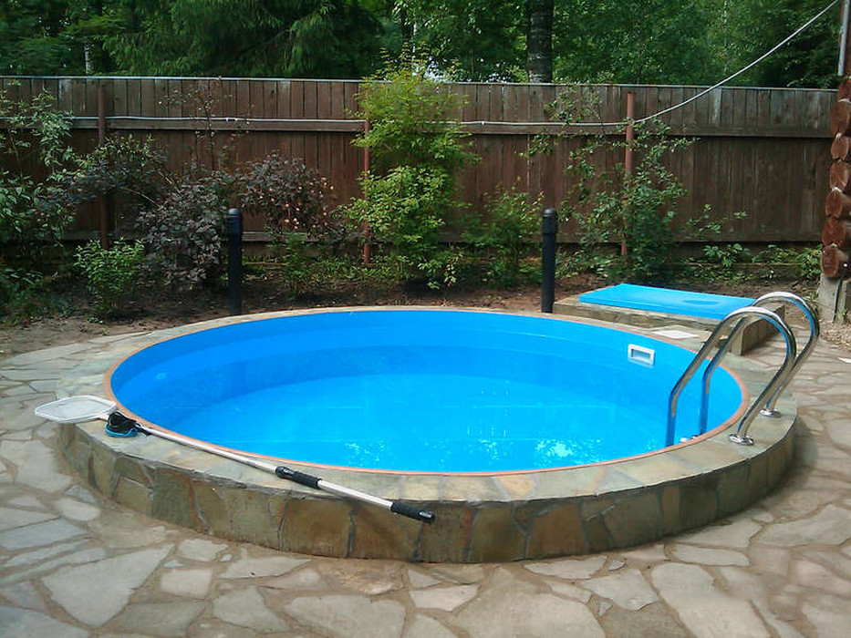 большой круглый бассейн