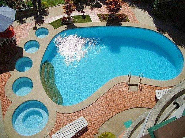 бассейн необычной формы